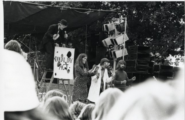 LB Wandsworth, national abortion campaign rally on Tooting Common, 1975